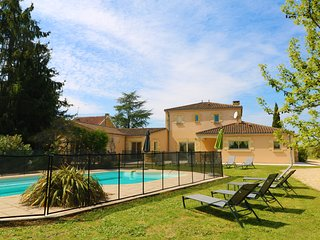 LES BELISSES- SUPERB ARCHITECT HOUSE+HEATED POOL+GATED GARDEN+VIEWS IN SARLAT