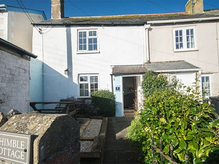 DC189 Cottage situated in Charmouth