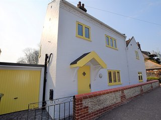 75003 Cottage situated in Happisburgh