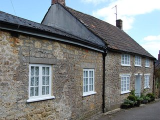 DC179 Cottage situated in Beaminster