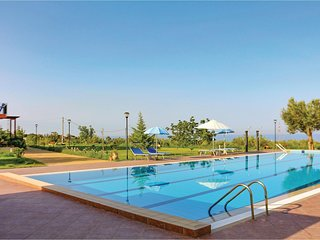 Beautiful apartment in Altavilla Milicia w/ WiFi, Outdoor swimming pool and 1 Be