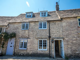 DC159 Cottage situated in Worth Matravers