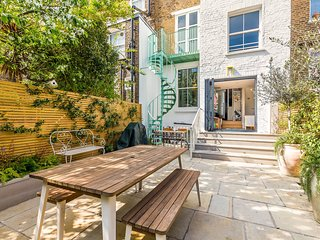 5 Bed Family House w/Terrace in Clapham