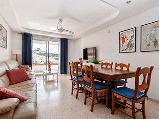 Salón - Comedor: TV 55, ventilador, acceso a la terraza...