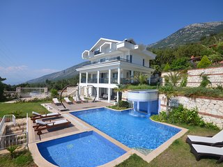 Five Bedroom Luxury Villa
