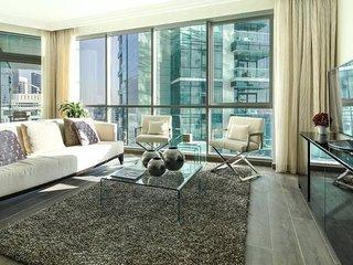 Enchanting 3BR Apartment w/ Sea & Marina Views!