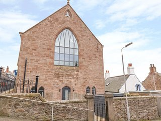 Church House, open-plan, sea views, Johnshaven