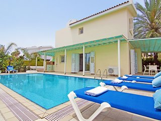 VILLA AMBER - KALAMIES PERNERA 4 BEDROOM WITH PRIVATE POOL