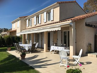Antibes-Biot, villa for 7 pers, seaview, A/C, Wifi