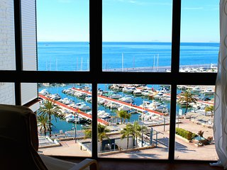 Marbella, direct access to Paseo Maritimo!