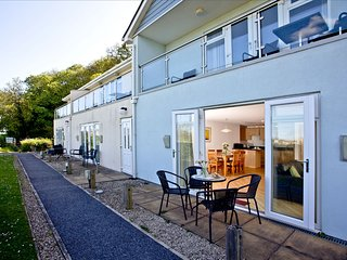 2 Red Rock Apartments, Dawlish Warren - A ground floor apartment close to the be