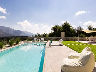 Thalmargia Villa II, Ultimate Peace & Privacy!