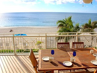 Luxury Beachfront Oceanfront 3 Bed/3 Bath - Seven Mile Beach - Sunset View