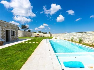 Thalmargia Villa III, Ultimate Peace & Privacy!