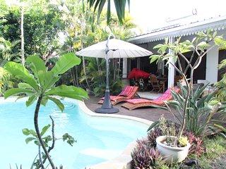 Maison meublee avec piscine pres du lagon