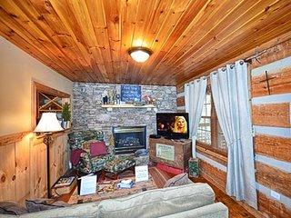 Living room w/Sofa Sleeper, TV and Gas Fireplace