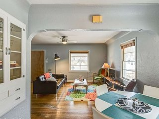 2BR Bright & Charming, Classic House