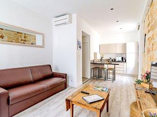 Appartement Centre historique Place Crillon L1