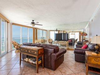 SeaSpray Perdido Key Condo #901 ~ Gorgeous gulf front 3 bedroom, 3 bath condo