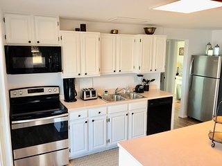 Amore Beach House 3 Bed, 2 Bath, beachfront house - Just Renovated