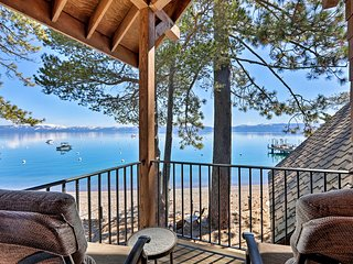 Updated Lakefront Home, Walk to Homewood Resort!