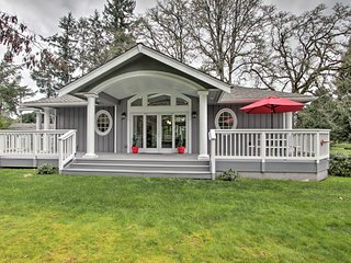 NEW! Contemporary Tacoma Cottage w/ Deck & Pond!