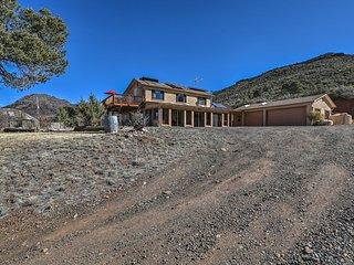 Mingus Mountain House w/Deck & Mountain Views