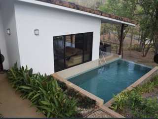 Modern Tropical Casa in Playa Grande 2 minutes from the surf