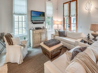 Uncorked Cottage - New Fall Rates in this Luxury Rosemary Beach Cottage!