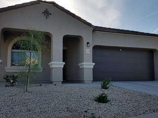 one level 4 bed 2 bath home in Maricopa, AZ