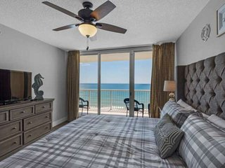 4 bedroom Gulfview Condo! All New new appliances and furniture!! Sleeps 12! Free