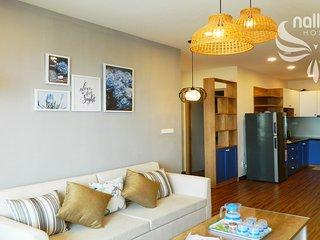 Nallan Host - Sunny & Airy Sea View Apartment FREE airport pickup