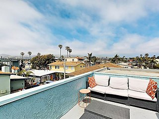 Beachside Beauty w/ Ocean-View Balcony - Walk to Beach, Restaurants & Shops