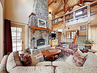 New Listing! Upscale Custom Cabin on 2 Acres w/ Fireplace & Gourmet Kitchen