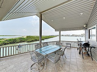 Waterfront Home w/ Large Covered Deck & 2 Pools - Direct Access to Channel!