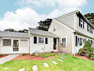 Updated 4BR w/ Lots of Perks: Big Yard, Canoe & Bikes! Stroll to Long Pond