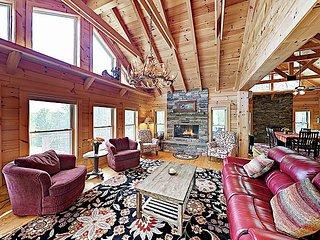 New Listing! Mountain-View Cabin Retreat w/ Fire Pit & Deck, Near Asheville