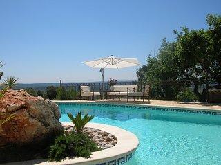 Villa avec studio independant et Piscine