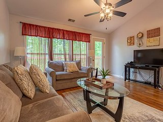 Pet Friendly  2 Bedroom, 2.5 Bath condo near SDC in Stonebridge Resort!