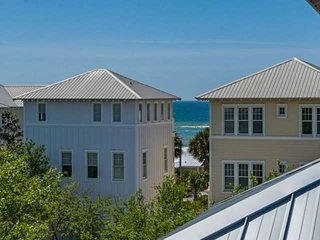 Beautiful 30A Beach Home-Steps to PRIVATE Beach Access-Gulf Views-2 Community Po