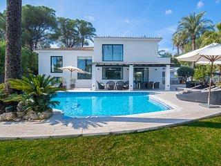 Luxury Villa in Nueva Andalucia Marbella West, Big Pool, Jacuzzi