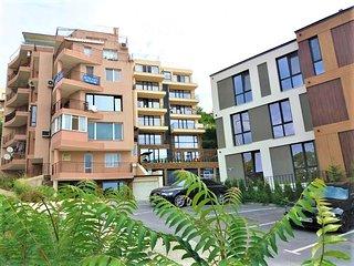 Varna Seaview Luxury 2 Bedroom Apartment & Parking
