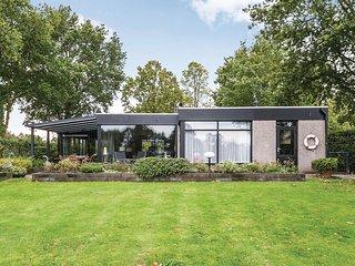 Beautiful home in Arnemuiden w/ WiFi and 3 Bedrooms (HZE148)