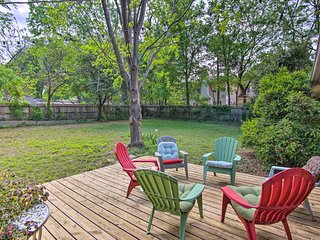 Tulsa Cottage w/ Yard - 1 Block to Philbrook!