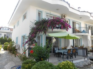 Luxury 4 beds sleeps 10 people large pool with villa rentals in Turkey