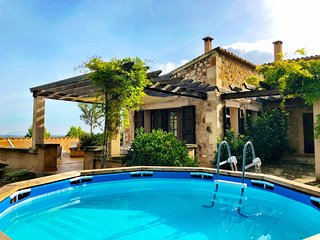 15% OFFER - BOOK NOW - Holiday Country house Mallorca sleeps 6