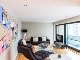 #51-3435 . Grand Apartment in City Centre | 99 Walk Score