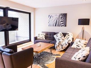 #53-3435 . Expansive Apartment in City Centre | 99 Walk Score