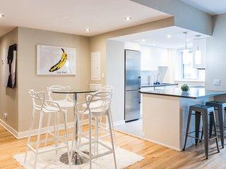 #10B-3435 . Lofty Apartment in City Centre | 99 Walk Score