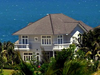 THE GOLF-OCEAN VILLA